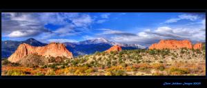 pikes-peak-through-the-garden-of-the-gods-gateway-fall-2012